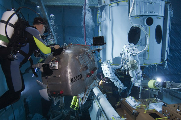Underwater filming for Hubble 3D